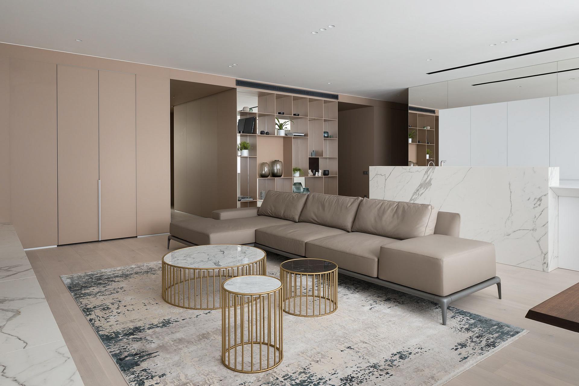 成都150平现代四居室,色彩搭配清爽明快,客厅大气而简练