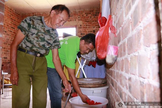 黄成:只做贫困户最贴心的人