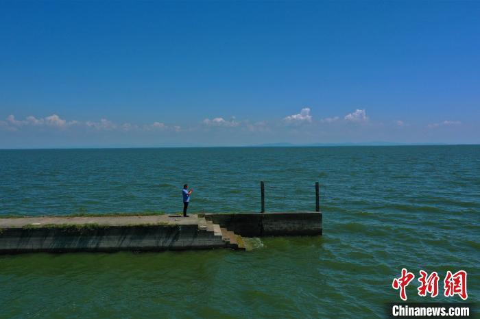 湖北第一大湖洪湖退出警戒水位图片