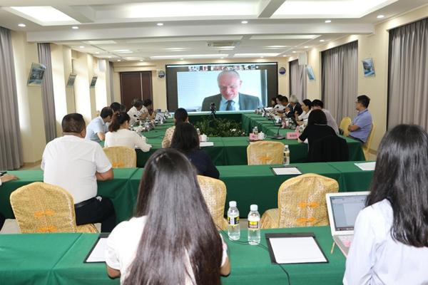 中国特色自由贸易港研究院与新加坡国立大学东亚研究所举行线上研讨会