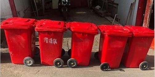丢5个垃圾桶 小偷竟是物业保安