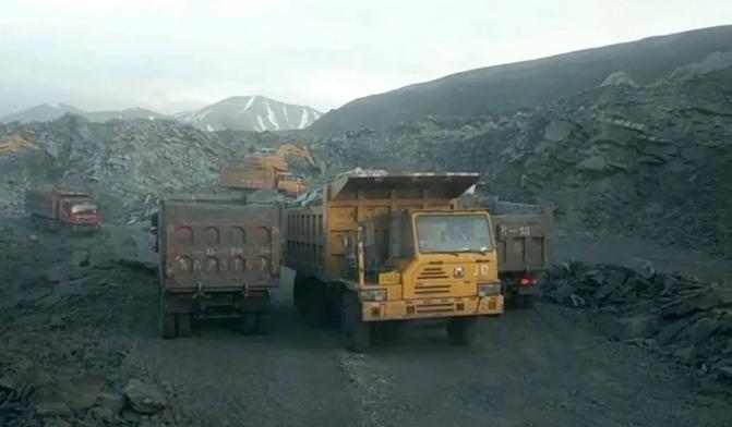 """""""隐形首富""""非法采煤赚百亿,一查到底方能修复""""生态"""""""