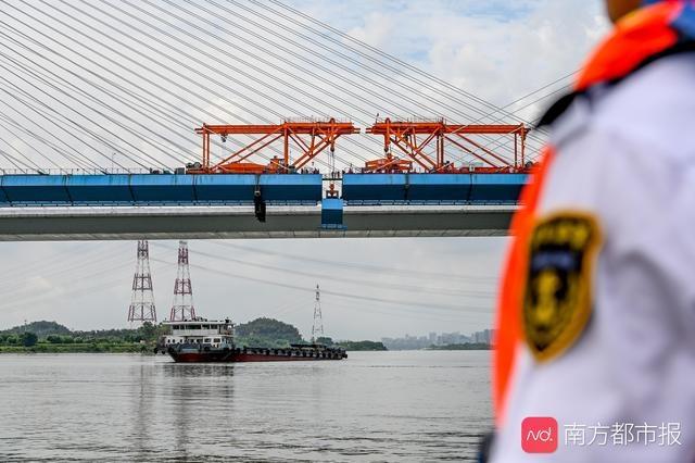 广州南沙港铁路西江特大桥顺利合龙