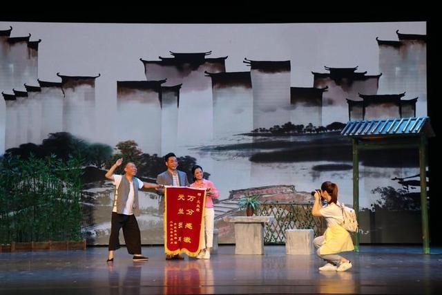 鹦哥戏《还鸡》喜获全省新农村建设题材小戏银奖