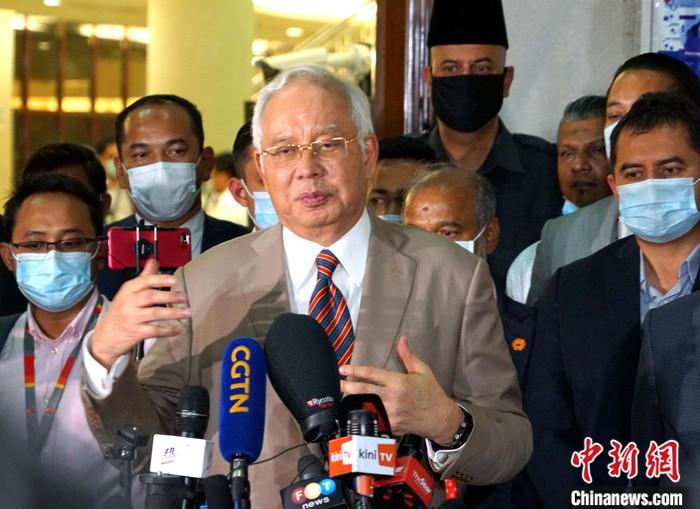 """""""法庭战""""成马来西亚政坛八月热点"""