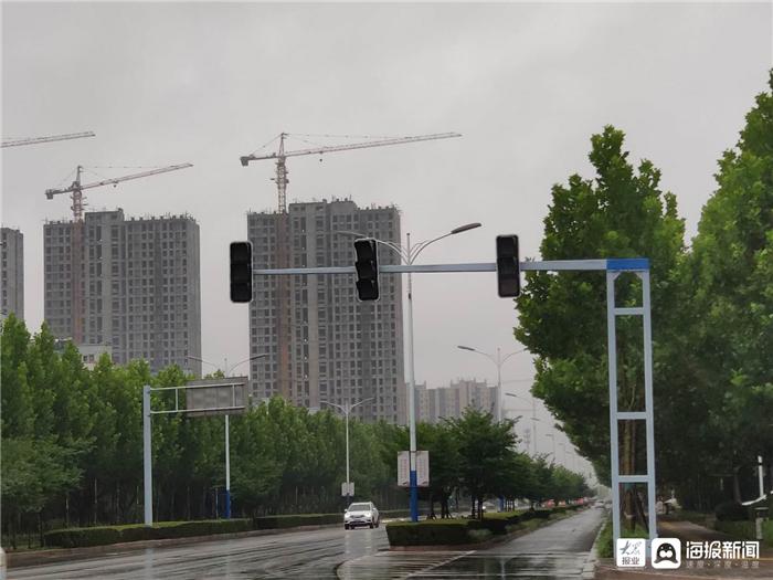 东营区宁阳路与香山路交叉口交通信号灯未正常工作
