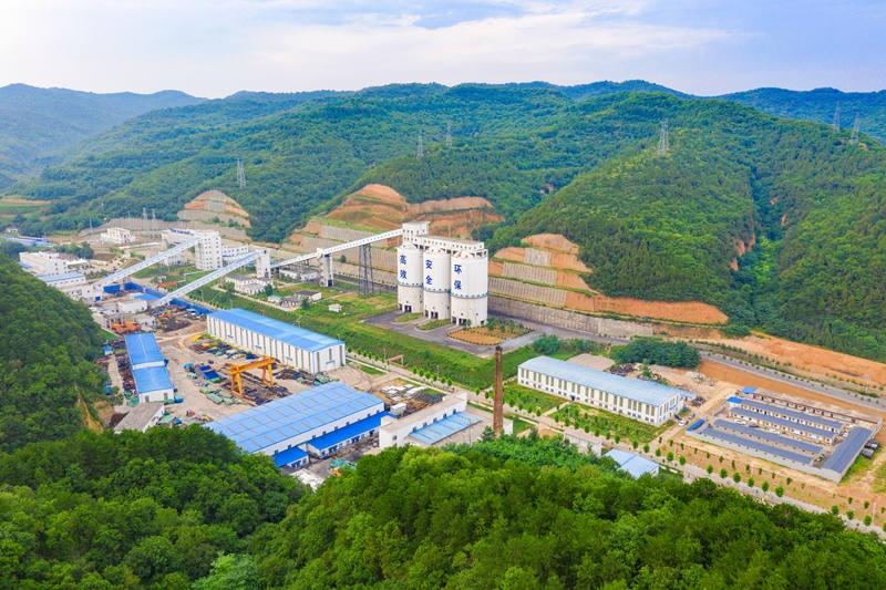 建设一座煤矿 带富一方群众
