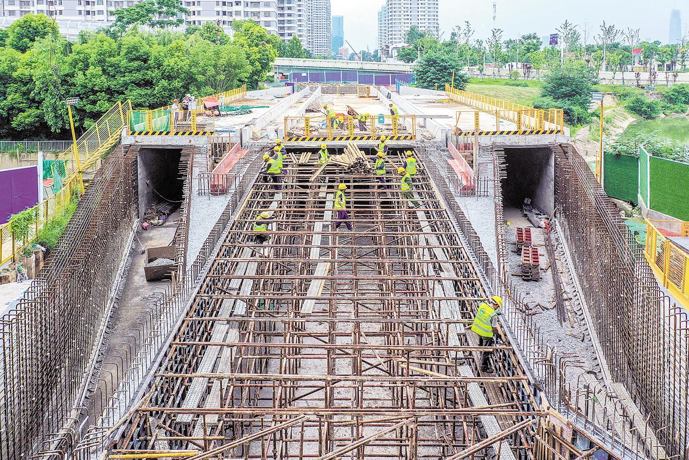 """近百条管线整齐入""""廊"""",远程就可完成巡检,武汉提速地下综合管廊建设 让城市""""里子""""也出彩"""
