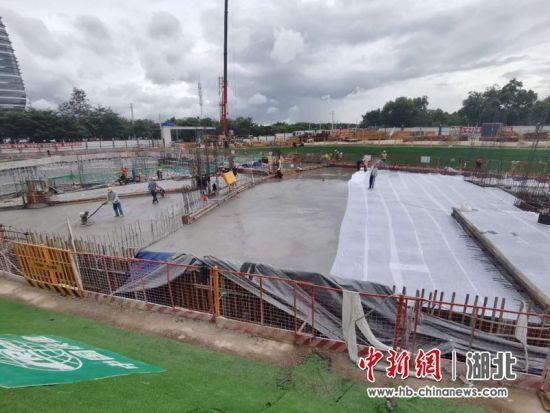 深圳粤港澳大湾区首座大型多功能民生主体工程正式浇筑