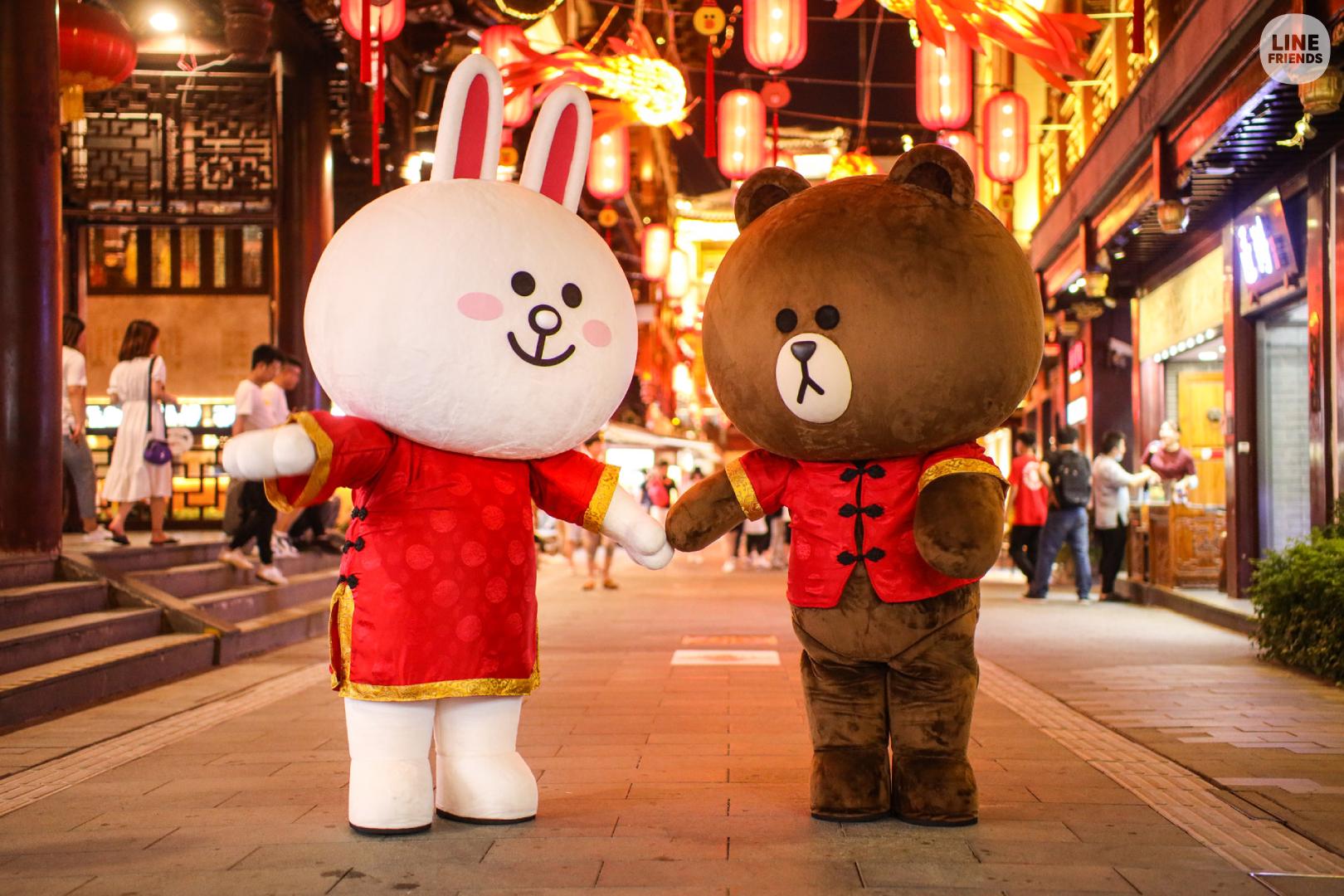 LINE FRIENDS与豫园商城携手呈现七夕情人节庙会活动展现文化交融,时代碰撞之美