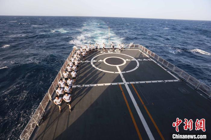 运动,亦是战斗力——海军第35批护航编队开展群众性体能训练侧记