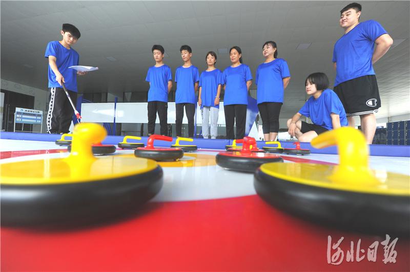 河北邢台:积极备战省冰雪运动会