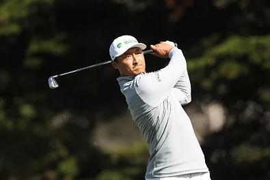 【高尔夫PGA锦标赛】广东小将李昊桐爆大冷夺半程冠军