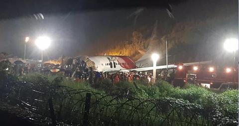 金烽2平台:印度客机事故 2人新冠检测呈阳性