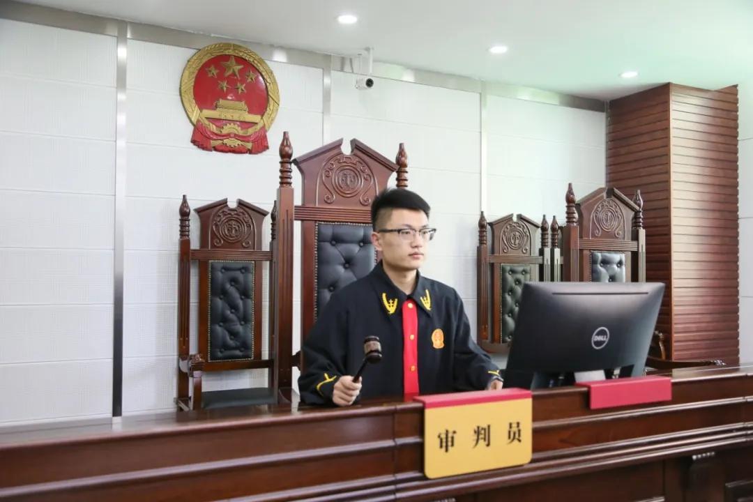 济南一男子公交车上猥亵儿童获刑6年