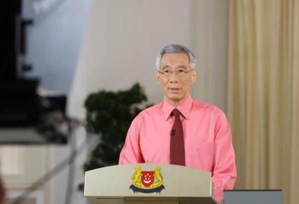 新加坡总理李显龙发表国庆致辞 呼吁全国团结一致战胜困难