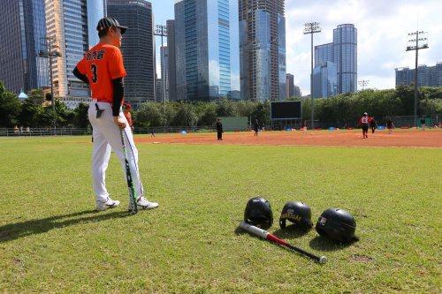 广州市第十六届体育节,天体上演慢投垒球邀请赛