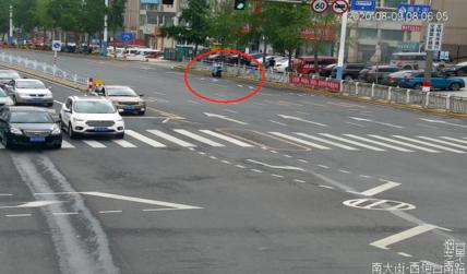 闯红灯、逆行、不走人行横道...烟台这些非机动车及行人被曝光