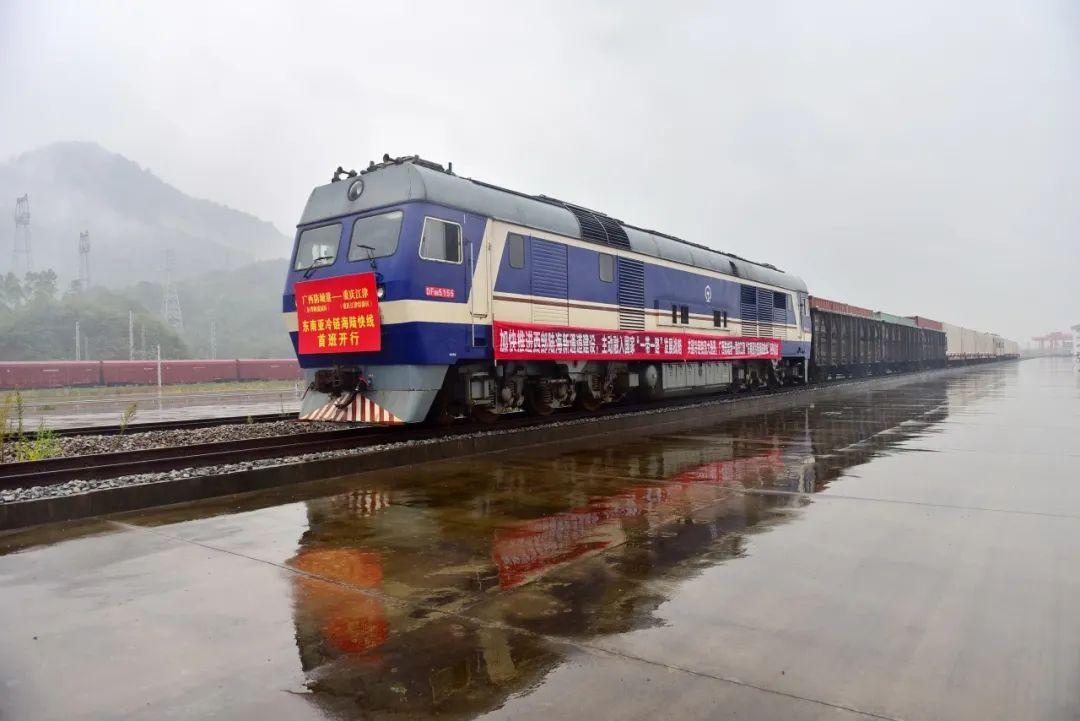"""【看区县】首班""""东南亚冷链海陆快线""""列车抵达江津图片"""