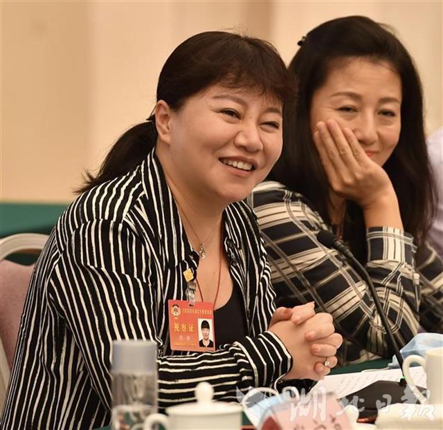 全国政协委员程静:在武汉,平凡英雄无处不在