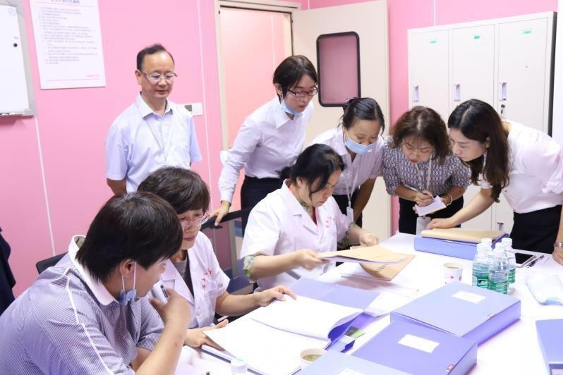 成都市五医院人类辅助生殖技术通过国家评审