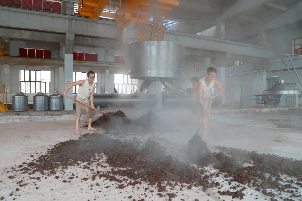 茅台酒技改扩建项目全面完工,基酒年产能将达5.6万吨图片