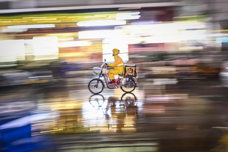 外卖骑手何处去?破解零工经济困局的三条出路图片