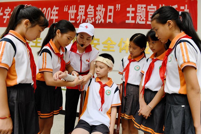 江西南丰:把知识拯救进校园