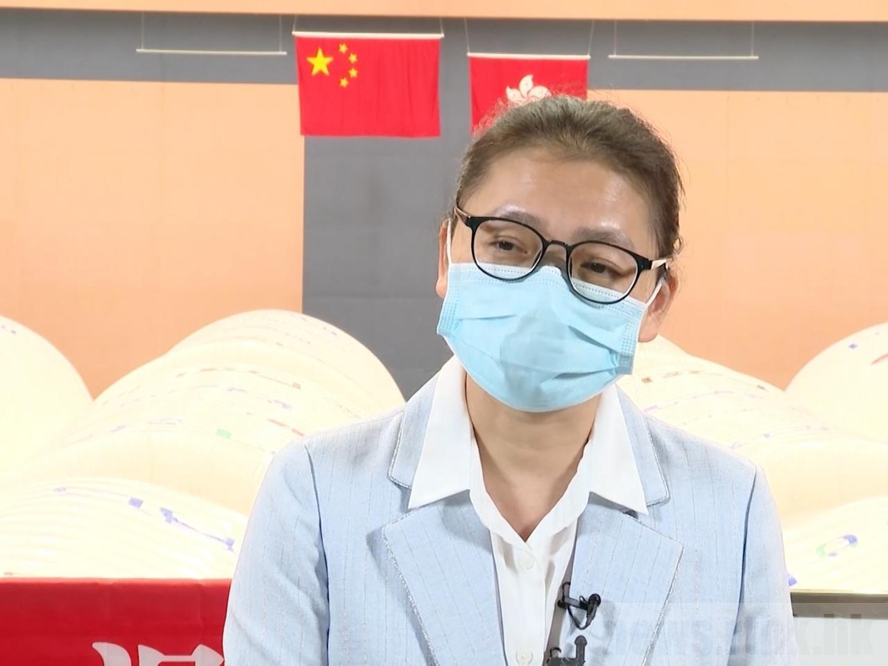 内地核酸检测支援队队员邓艳琴 图自香港电台