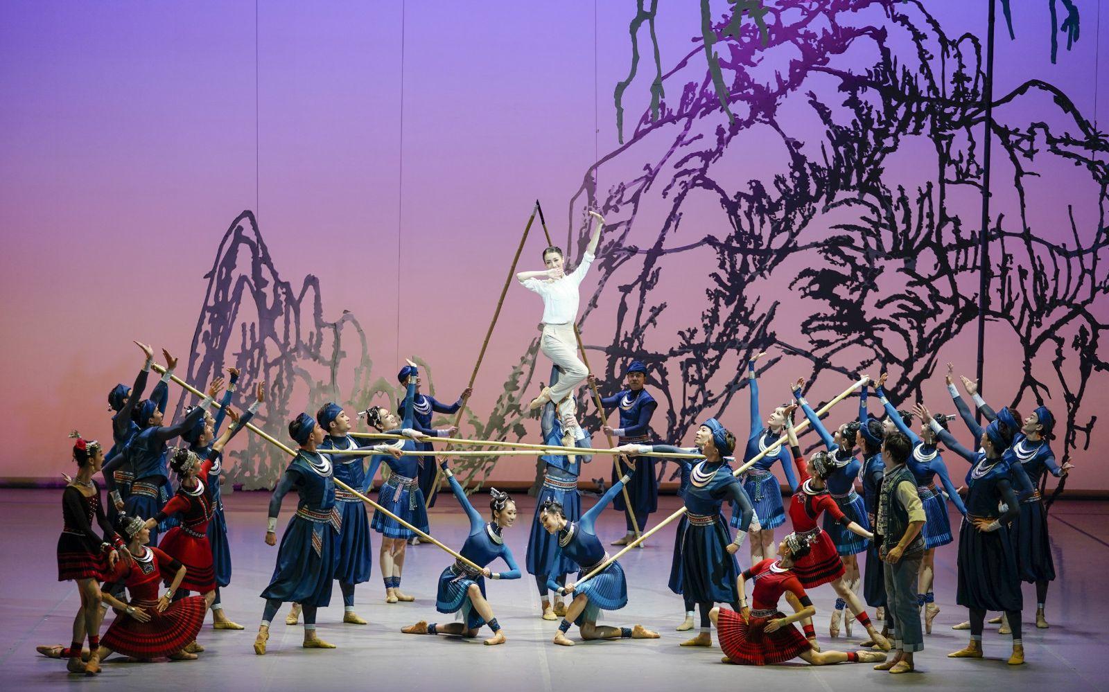 历经八个月集体创作,中芭舞剧《花一样开放》迎来首演图片