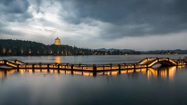 """连接西湖、运河、古城遗址的杭州""""怡江"""