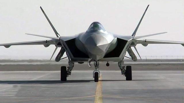 """歼20无力应付F35?美杂志""""神论"""":发动机影响隐身性能"""