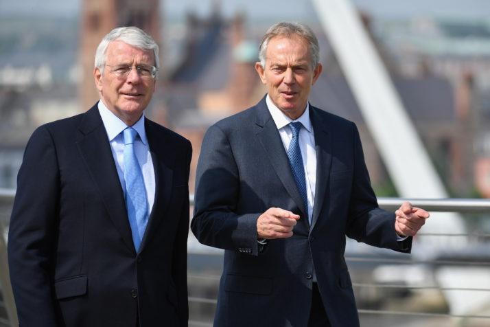 英政府欲推违背脱欧协议的新法 两名前首相发声抨击