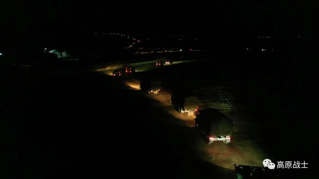 空地协同!西藏军区某旅组织全要素实兵实弹演练图片