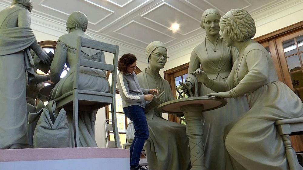 一周影像资讯丨纽约中央公园首次为真实女性树立雕像;《时代》杂志新封面纪念20万新冠逝者