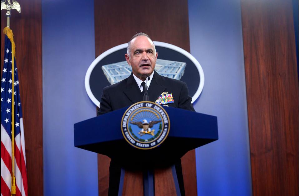 查尔斯·理查德在消息公布会上/图自美国国防部网站