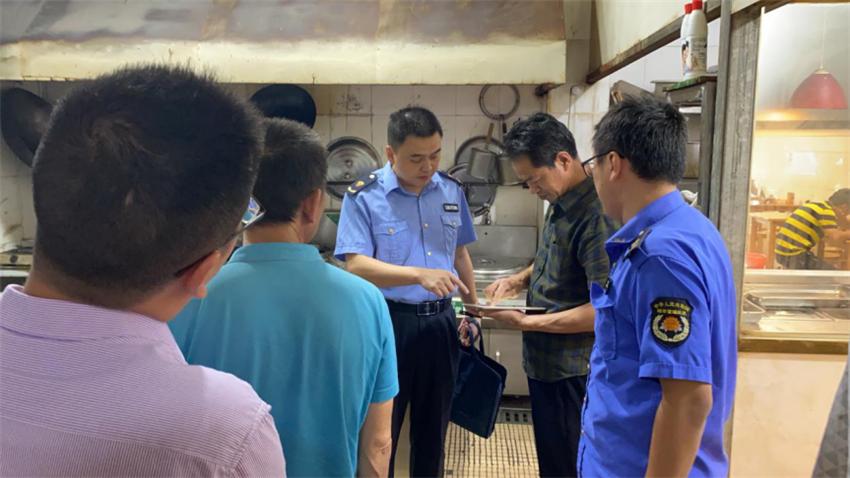 扬中西来桥镇开展餐饮食品安全和燃气安全专项检查多举措保障  当地群众生命财产安全