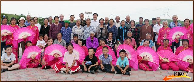 """尚义县张家口满克图村 我们整个村子:""""沙漠""""变"""