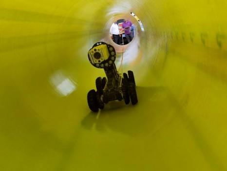 管网非开挖修复机器人技术亮相成都图片