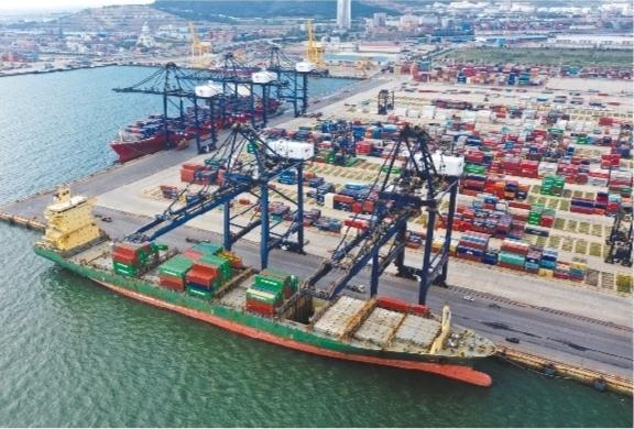 大连港集装箱航线覆盖东南亚核心港口