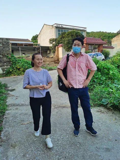 她身患肿瘤五次手术,一条右腿一天两万步,守护一个乡村 成风化人