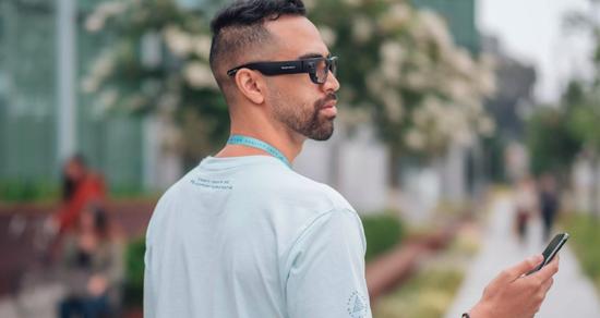 Facebook和Luxottica将于2021年合作研发AR眼镜
