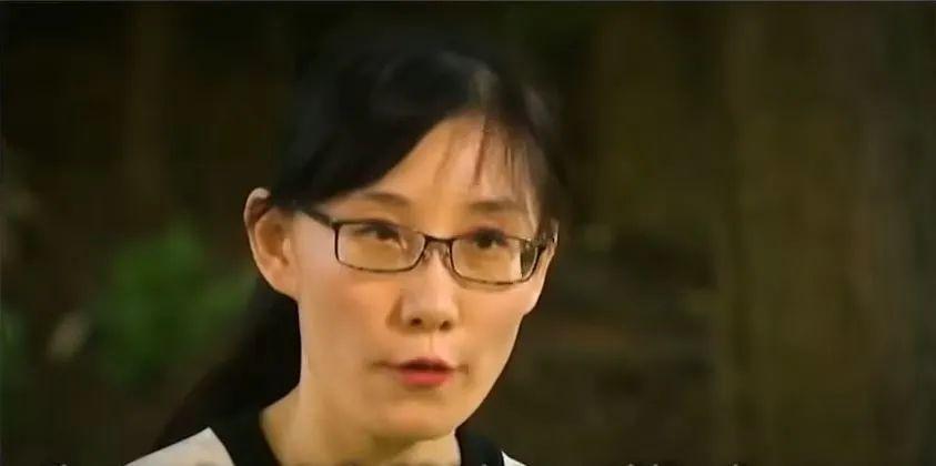 闫丽梦接受福克斯新闻网专访 资料视频截图
