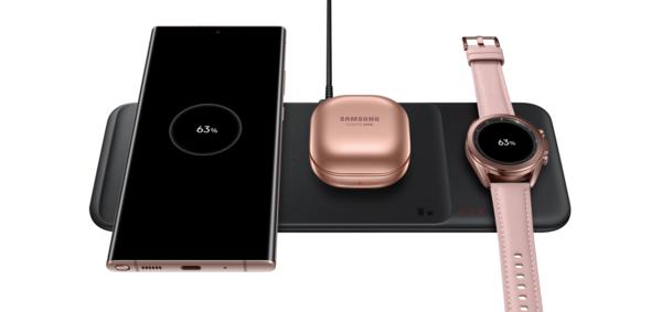 三星抢先苹果带来了无线充电板:可同时充三款设备功率最高9W