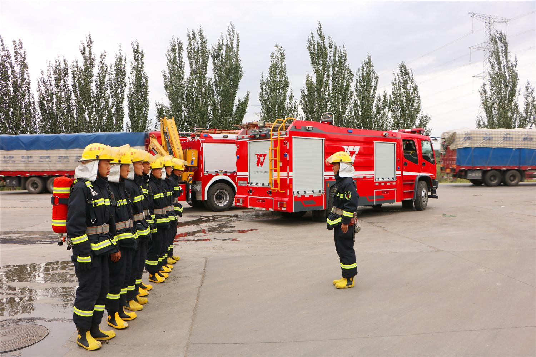固原开发区消防救援大队新材料园专职队深入重点单位进行熟悉演练