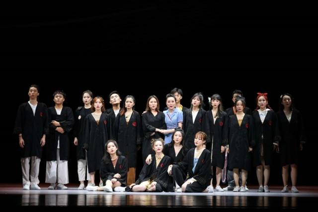 """音乐剧《梦·寻李叔同》2.0版上演,90后杭州导演阐释""""我就是李叔同"""""""