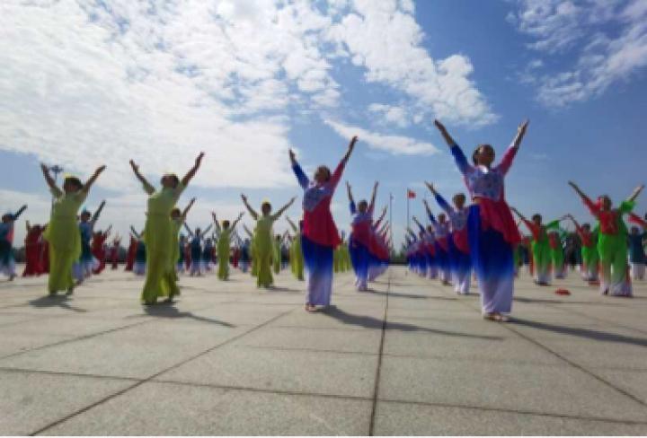 好一场舞林盛宴!河南省第四届广场舞展演驻马店市选拔赛举行