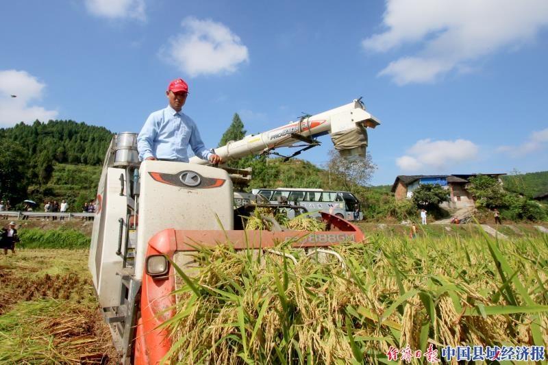 波球体育客户端:南充顺庆主要农作物机械化作业率达到60%