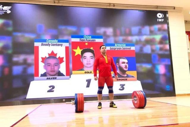 线上国际举重杯赛 中国队男子大级别收获1金1铜
