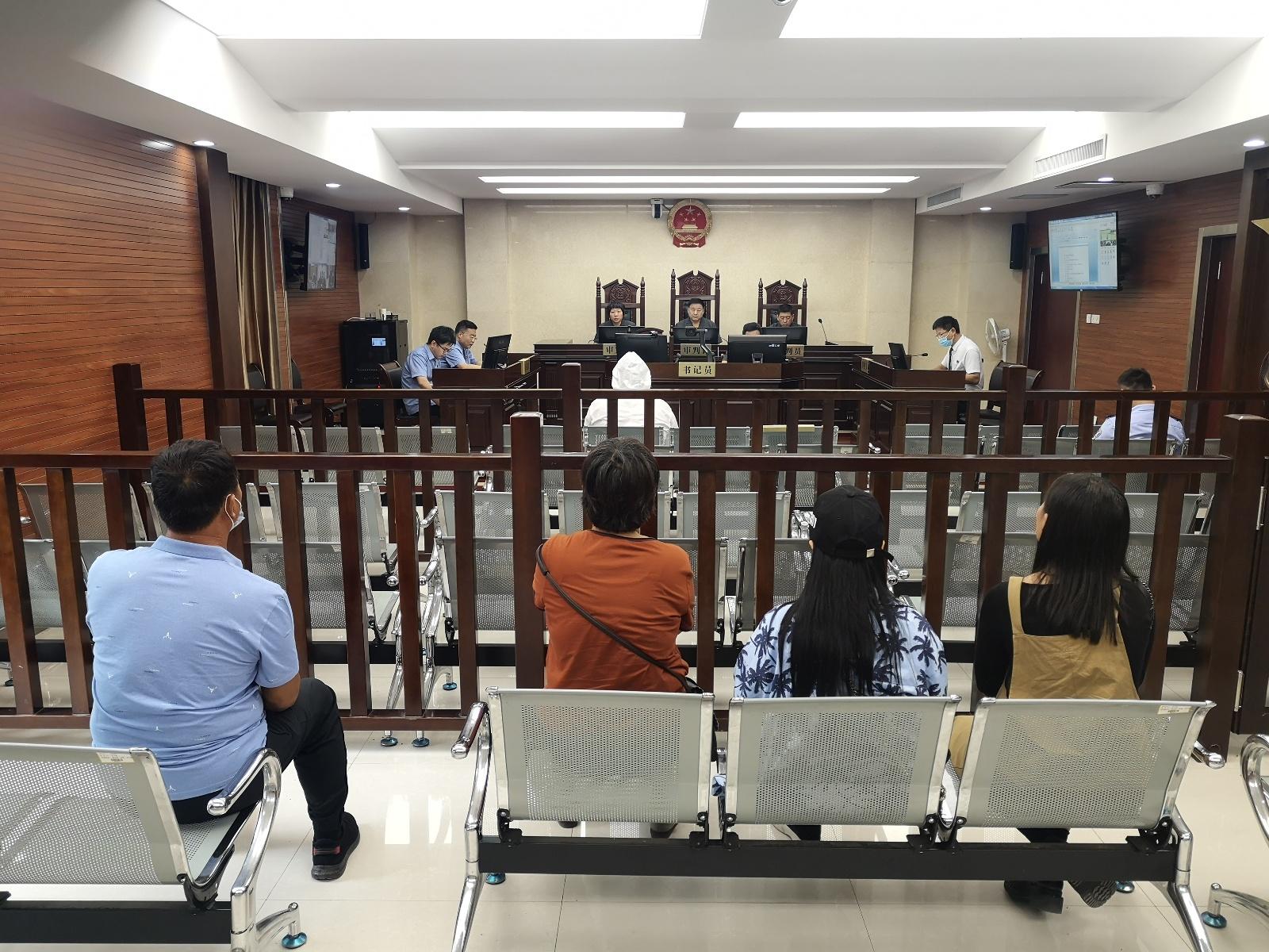 """萍乡法院审理了一起恶势力""""路霸""""的刑"""